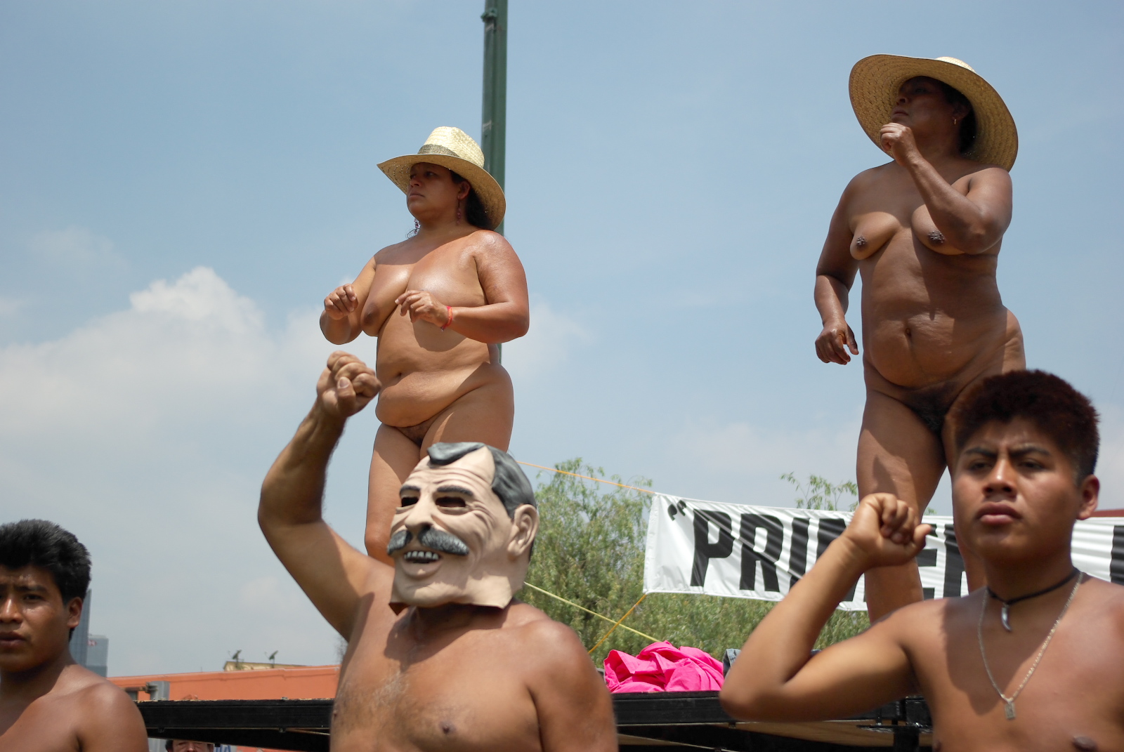 Mexico women naked — photo 9