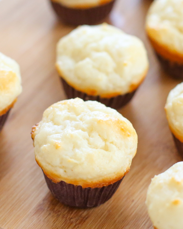 close-up photo of a muffin