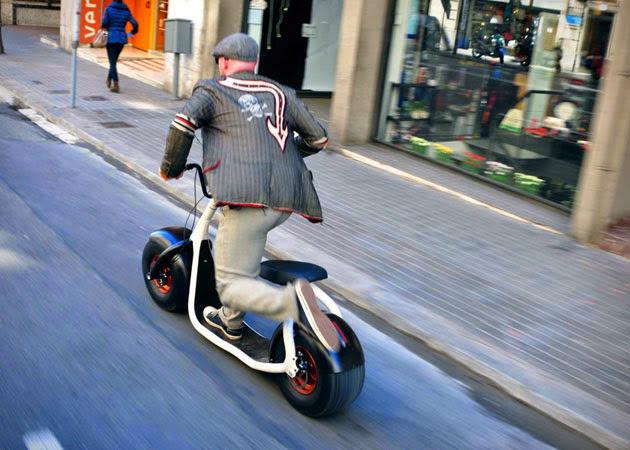 *都會小型電動滑步車:領你穿梭自如在小巷弄之中! 4