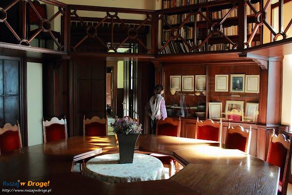 Biblioteka w Pałacu w Rzucewie