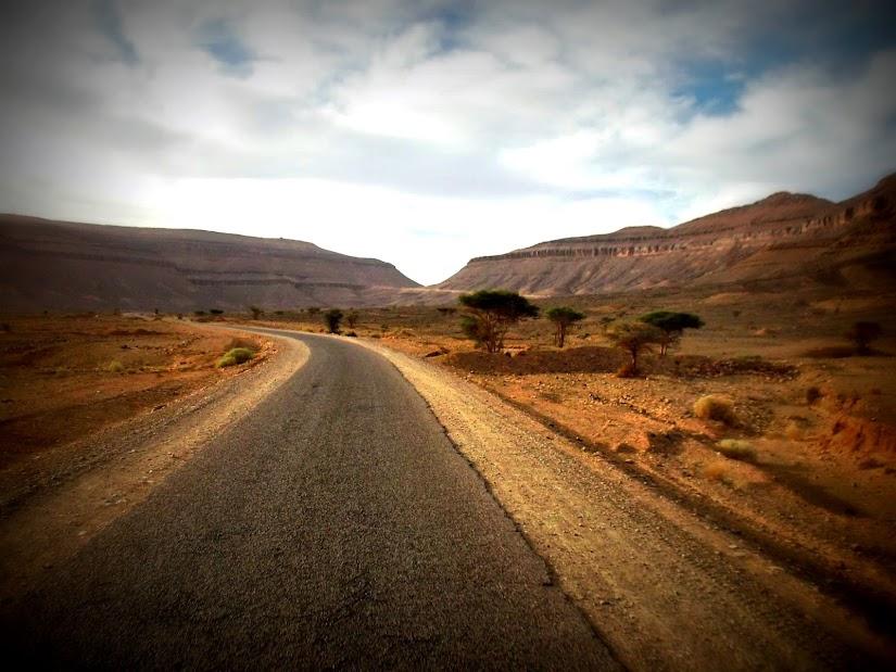 Marrocos e Mauritãnia a Queimar Pneu e Gasolina - Página 12 DSCF1412
