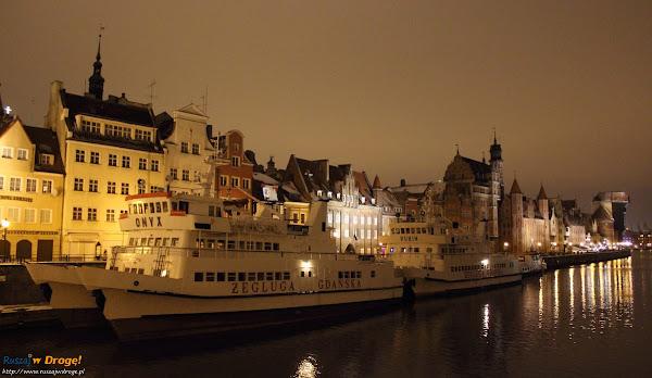 Gdańsk nocą - pobrzeże Motławy