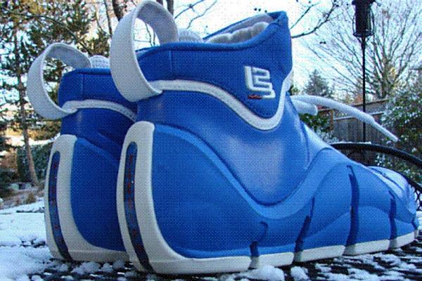 Nike Zoom LeBron IV WhiteVarsity Royal 8220Flexiposite8221 Prototype