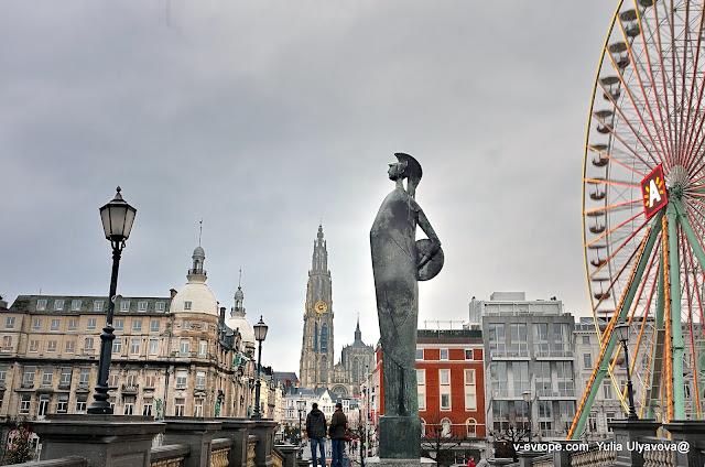 Монумент Минервы в Анверпене