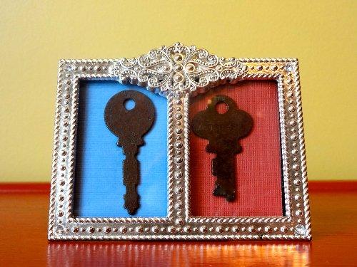 Khung trang trí từ chìa khóa cũ
