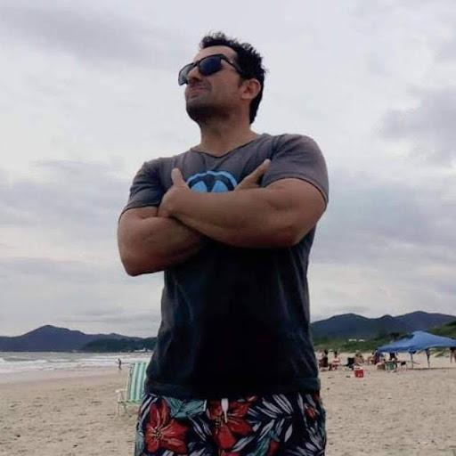 Ernesto L
