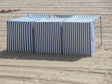 Cabane de place en tissu