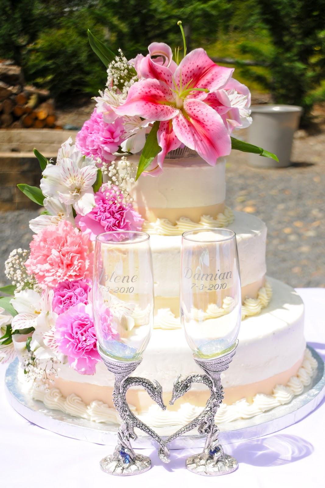 Sarah\'s Icing on the Cake: Wedding Cake-Fresh Flowers