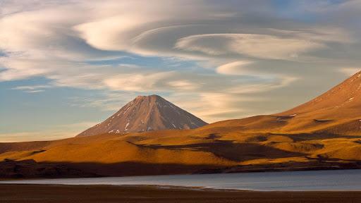 Miscanti Lake, Chile.jpg
