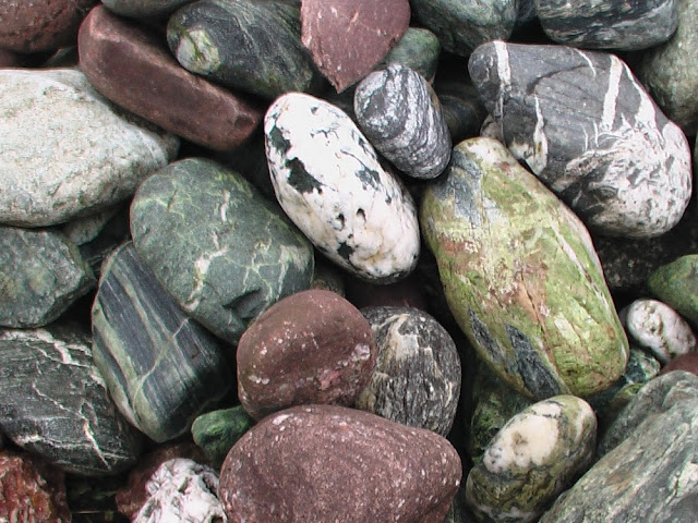 Камни голыши