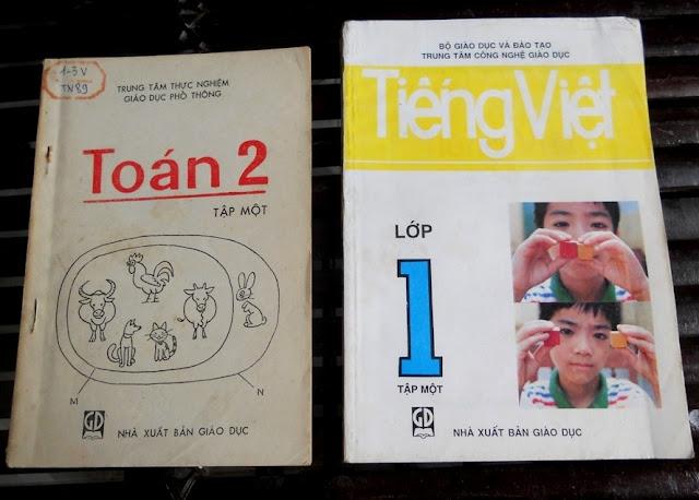 Sách giáo khoa tiểu học cũ - nơi lưu giữ từng trang ký ức DSCN3257
