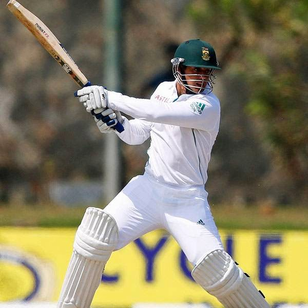 South Africa's Quinton de Kock watches his shot during the second day of their first test cricket match against Sri Lanka in Galle July 17, 2014.