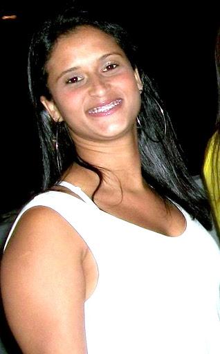 Debora Duarte Photo 17