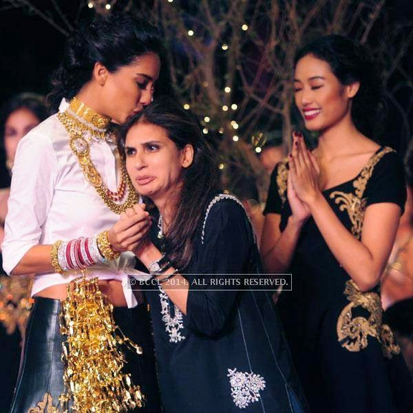 Lisa Haydon and Monisha Jaisingh on Day 3 of India Couture Week, 2014, held at Taj Palace hotel, New Delhi.