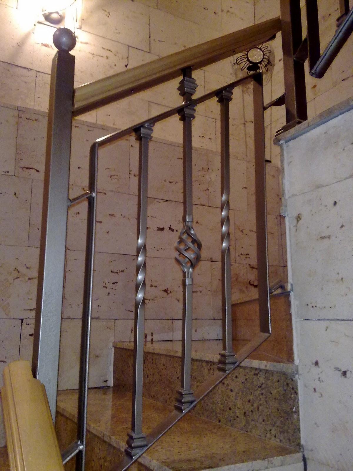 Escalera de forja con pasamanos madera pictures - Pasamanos de escalera ...