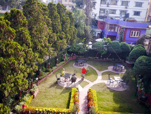達人帶路-環遊世界-尼泊爾-飯店花園