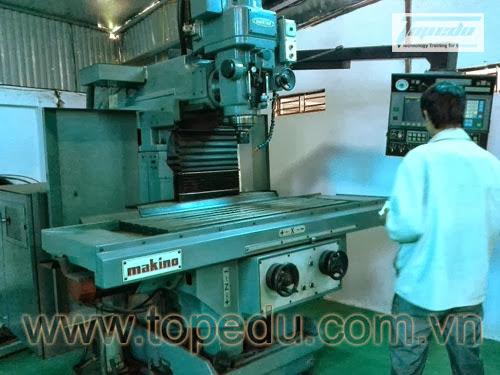 Đào tạo lập trình vận hành máy tiện Citizen, phay CNC Makino tại Công ty T&C