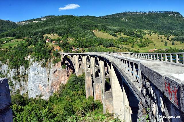 Мост через каньон реки Тара, Черногория