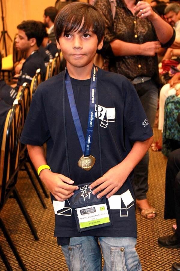 Natal: Escola Municipal 4º Centenário tem aluno medalha de ouro na Olimpíada Brasileira de Matemática