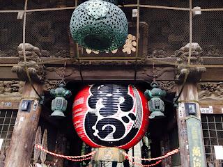 成田山新勝寺の門