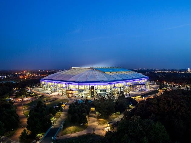 "Veltins-Arena<br><a class=""photo_author gallery_photo_author"" href=""https://maps.google.com/maps/contrib/115175249438170117160/photos"" target=""_blank"">Foto: Veltins-Arena</a>"