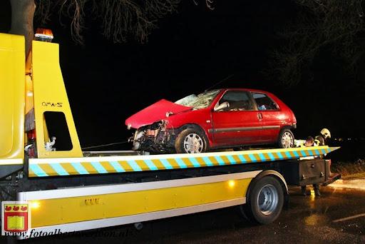 Automobilist gewond bij eenzijdig ongeval op de grens overloon venray 11-12-2012 (21).JPG