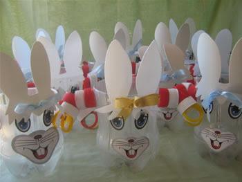 coelhos feitos com garrafas de plástico IMG_0002