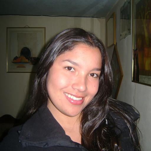 Jenny Caballero Photo 17