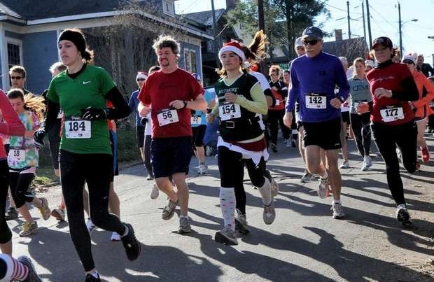 Start of the Jingle Bell 5k 2011