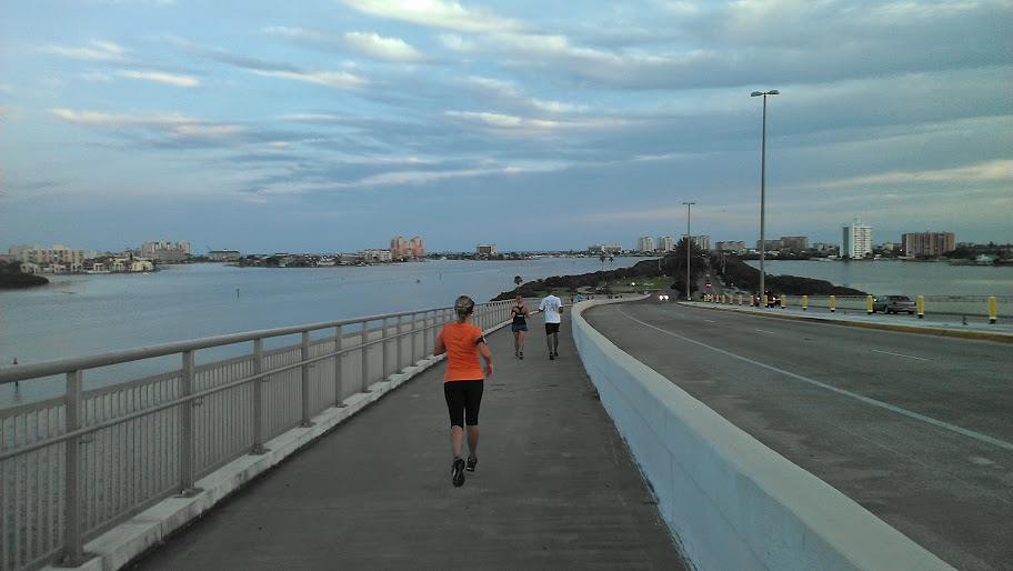 IMAG1470 RANdom Thoughts about a Bridge Run, Some Squats, Speedwork and a Coeur Sports Review