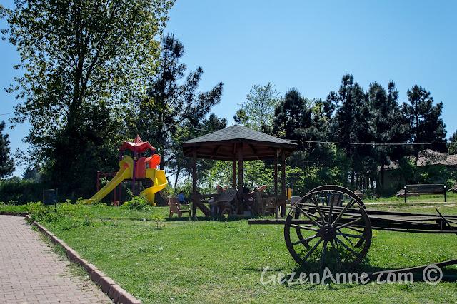 Sakarya, Karasu'daki Acarlar Longozu'ndaki çocuk parkı