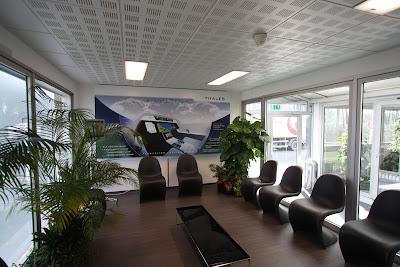 les petits le blog de f lix et associ s un nouvel accueil pour thales avionics au haillan. Black Bedroom Furniture Sets. Home Design Ideas