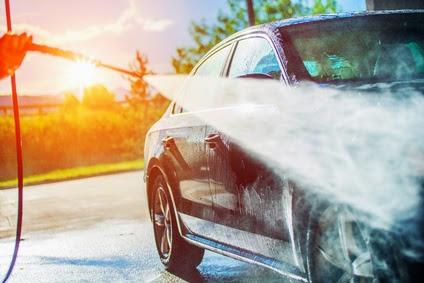 Nettoyage voiture au Karsher nettoyeur à haute pression