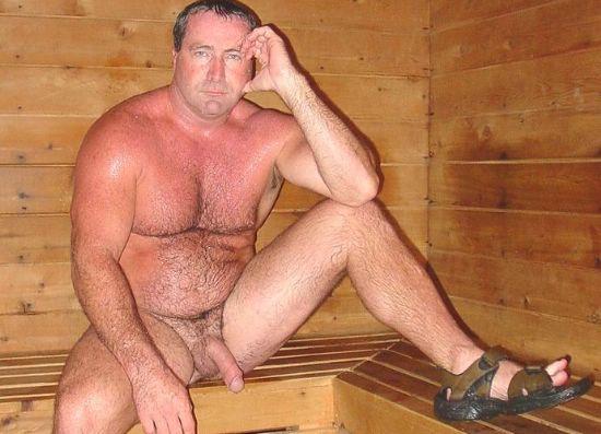 Фото пожилые мужики в бане телки спермой