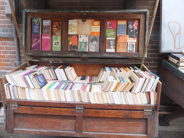Mercado de libros, Oudermanhuispoort, Amsterdam, Elisa N, Blog de Viajes, Lifestyle, Travel