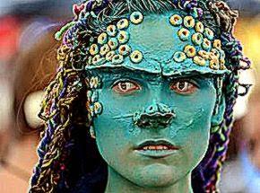 Australian Body Art Carnivale at Eumundi attracts 15000 spectators