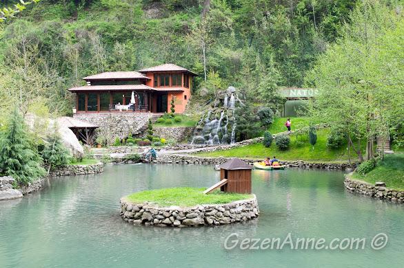 Natürköy'deki mini gölet
