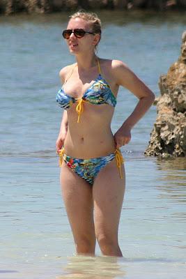 Scarlett Johansson In a Bikini
