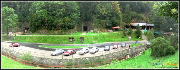 Rzeczka - wejście do kompleksu Riese
