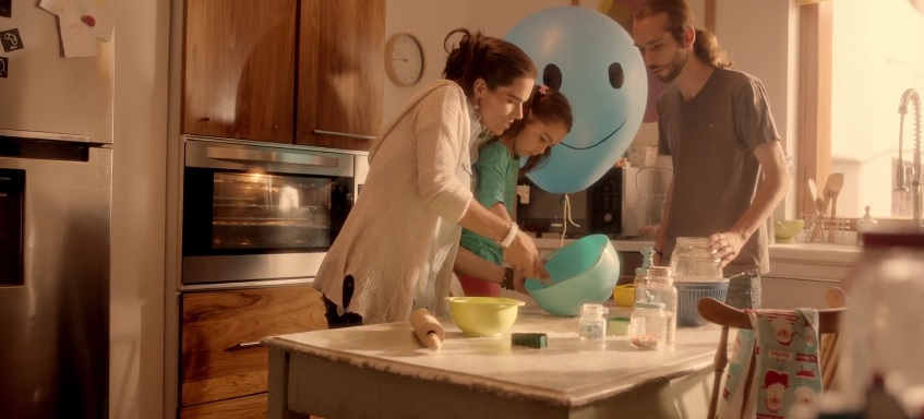 "Samsung Bolivia ""Blue Balloon"" Charming New Christmas Commercial"