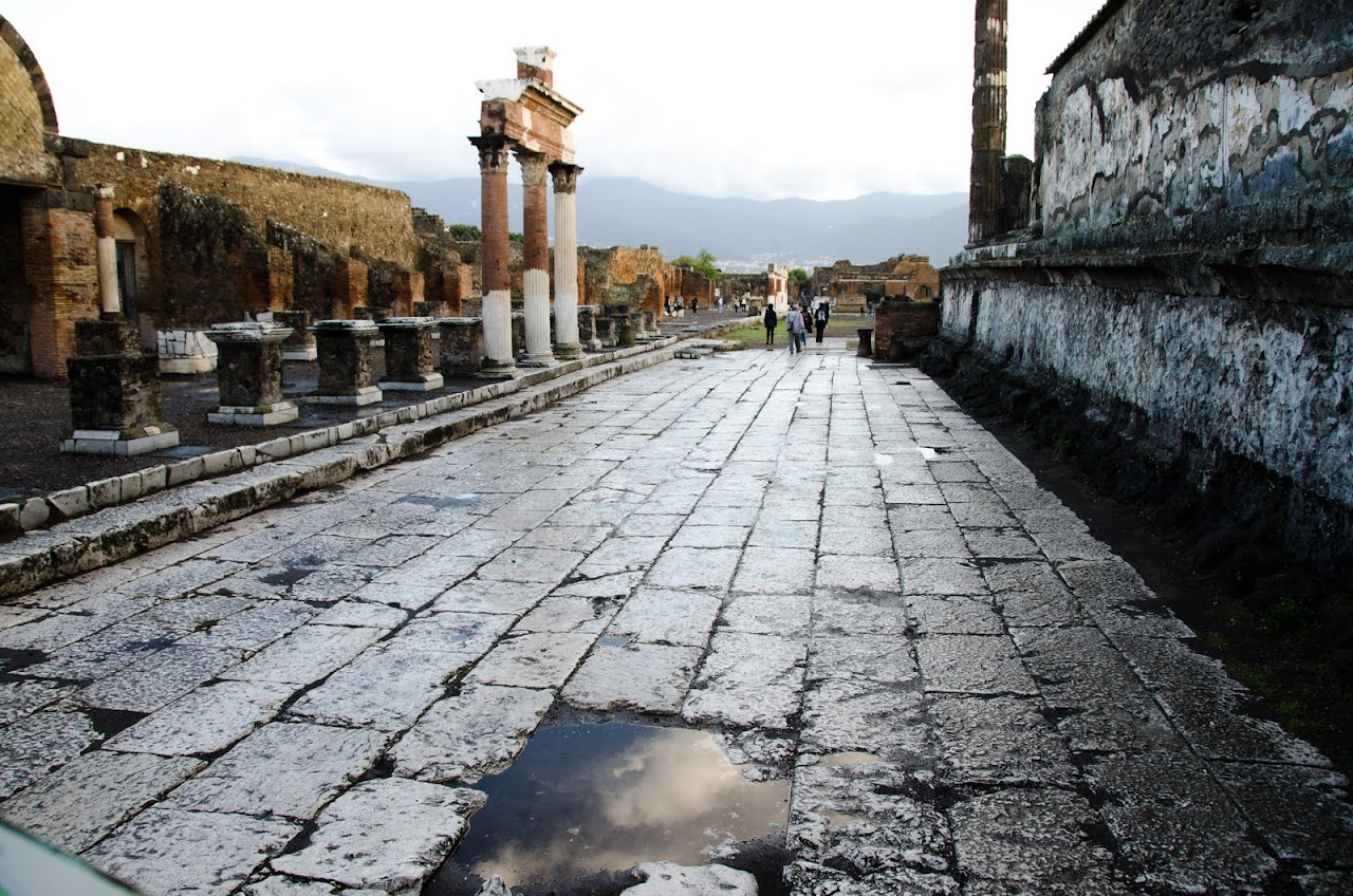 Pompeii avenue