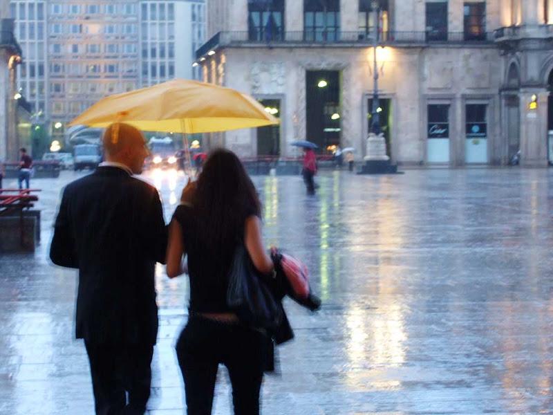 Llueve en la Piazza del Duomo de Milán