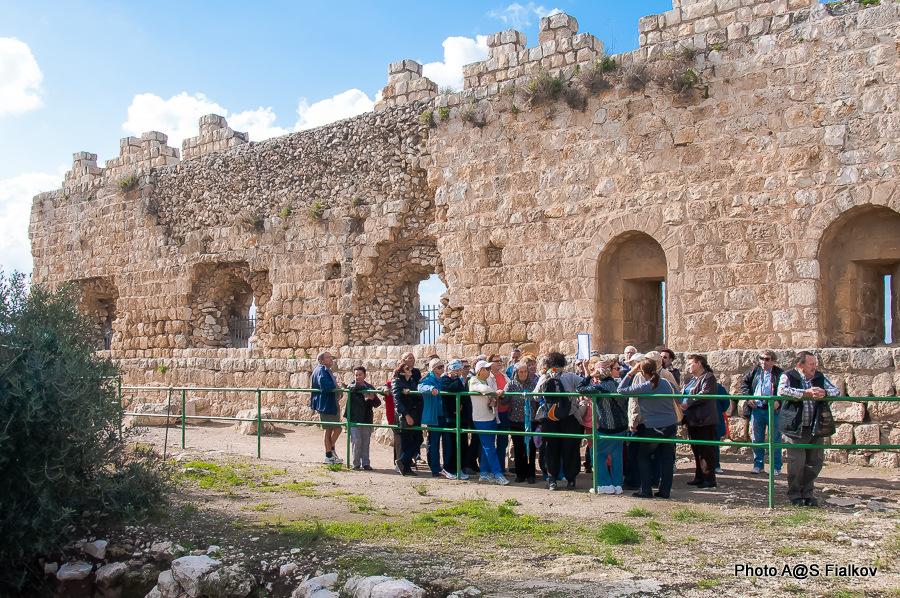 Крепость Бинар Баши. Антипатрис. Экскурсия в парк Тель Афек. Гид в Израиле Светлана Фиалкова.