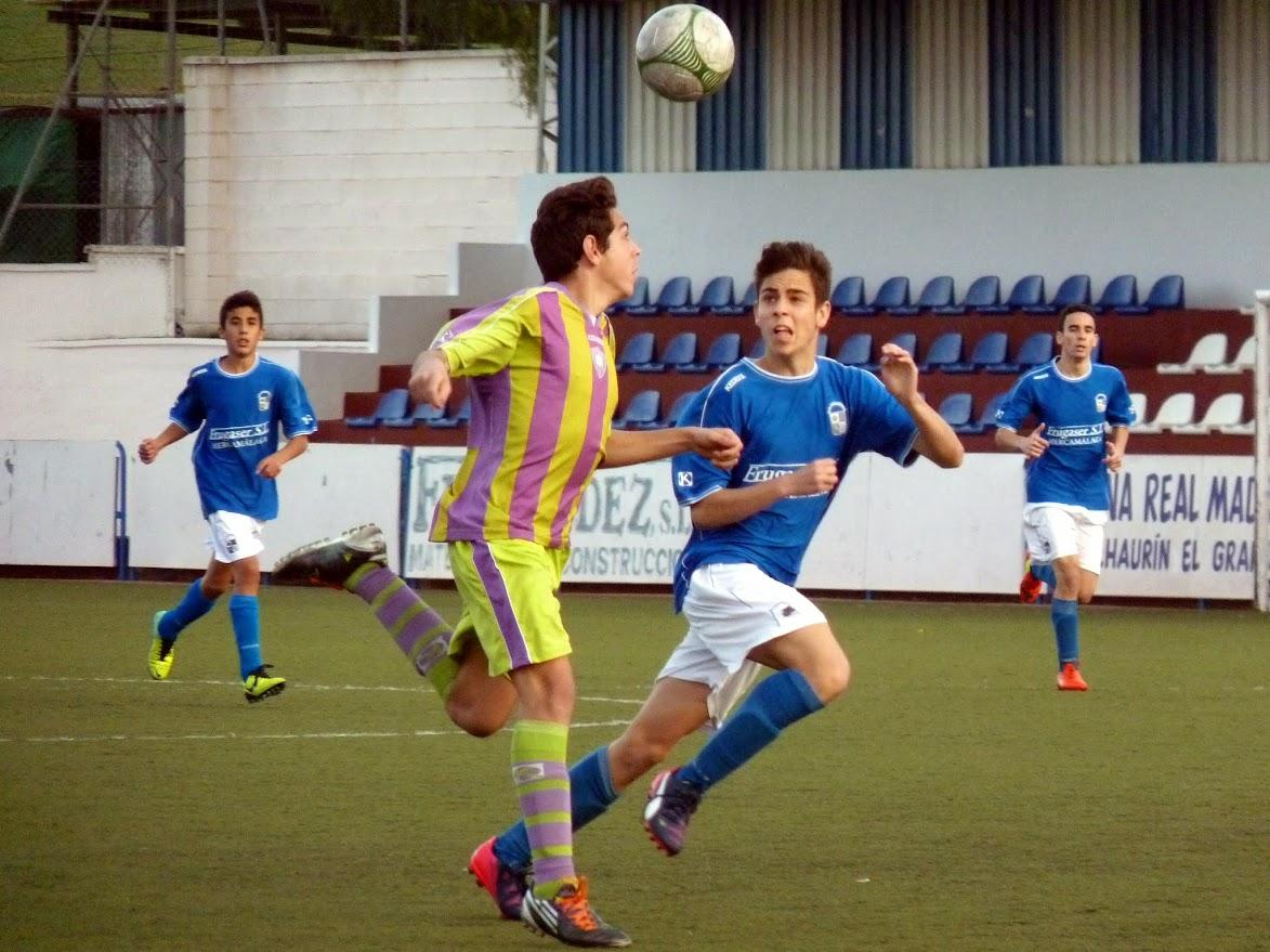 El Cadete Barreche en un lance de juego en el partido ante el Conejitos Málaga