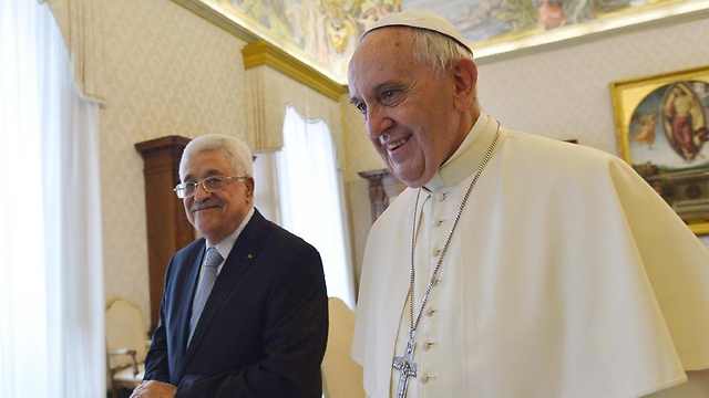 Pope Francis and President Abbas. (Photo: EPA)