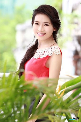 Văn Phượng bị Việt Trinh đuổi khỏi phim trường - DIENANH24G Văn Phượng bị Việt Trinh đuổi khỏi phim trường