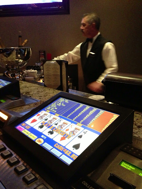 El Cortez Video Poker at the Bar