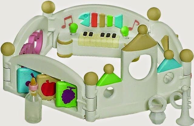 Chiếc cũi đồ chơi Sylvanian Families 2948 Let's play Playpen được thiết kế rất tinh xảo