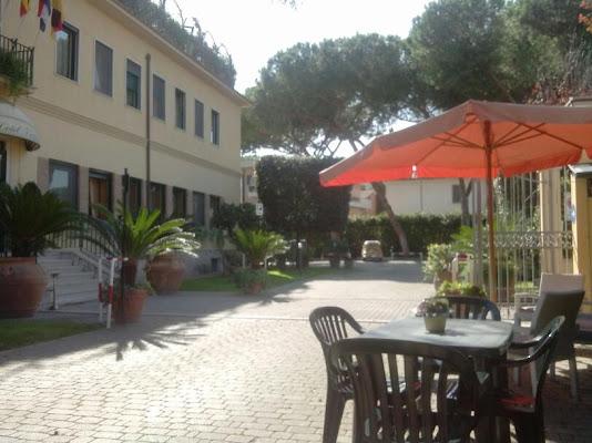 Hotel Victor, Via Regilla, 60, 00178 Rome, Italy