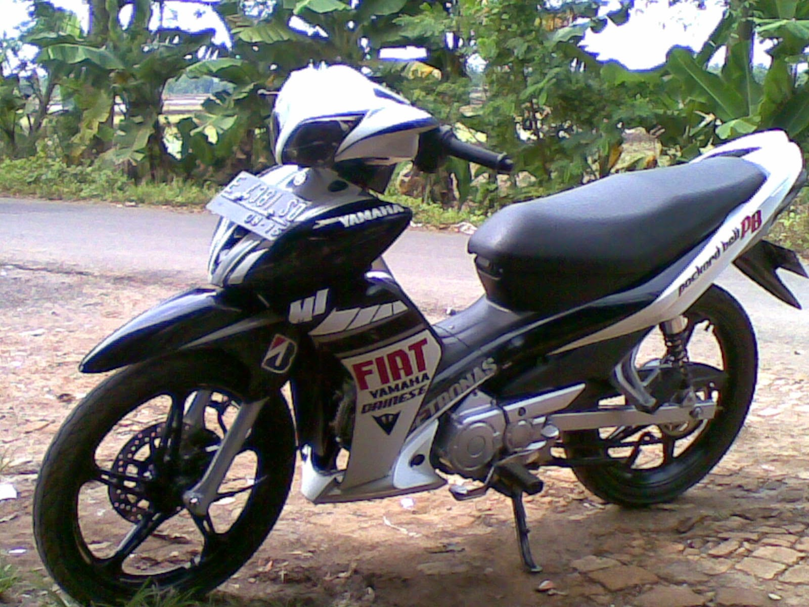 Modifikasi Motor Jupiter Mx Warna Hitam